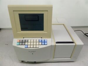 Hitachi U 2001 Spectrophotometer D2 Lamp Error As Is
