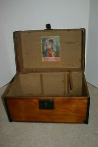 Antique Late 1800s Early 1900s Lilley Military Advertising Wood Trunk Chest Case