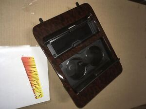 2007 2008 Yukon Denali Maple Center Console Cup Holder Ashtray New Gm 25912888