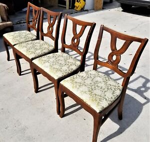 Set Of 4 Vintage French Provincial Pretzel Back Dining Chairs