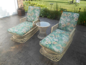 Vintage Pair Russell Woodard Spun Fiberglass Patio Chaise Lounge Chairs W Table