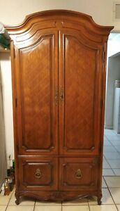 Vtg Broyhill Traditional Style Armoire Cabinet Hutch