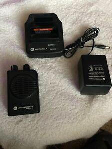 Motorola Minitor V 151 158 Vhf 2 ch Pager Stored Voice W Charger silent Scan