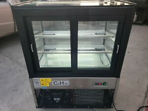 Omcan 39539 Curved Edge Refrigerated Floor Display Case With 270 L Capacity