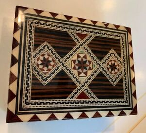 Vintage Mexico Hinged Wooded Marquetry Box Inlaid Geometric