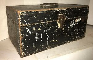 Classic Old Paint Dovetailed 19th C American Folk Art Paint Document Box