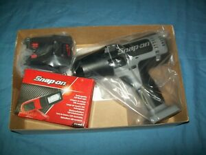 New Snap on 1 2 Drive 18 V Monsterlithium Cordless Impact Gun Ct8850bsspcl