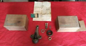 Nos Gm 60 62 Chevy Gmc Truck 10 20 Pair Of Lower Ball Joints Stud Units 3789786