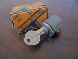 1939 Chevrolet Master Deluxe Coupe Sedan Nos Glove Box Lock Assembly