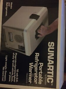 Portable Sunartic Thermoelectic Refridgerator warmer Model Sch 10 Brinston Corp
