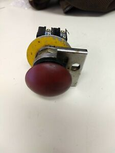 Emergency Stop Heavy Duty Push Button With Lock Out 2 N o 2 N c Contacts