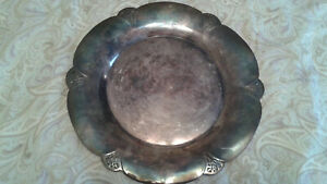 Reduced 9 1 2 Vintage Wm Rogers Round Tray Lace Pattern Silver Plate