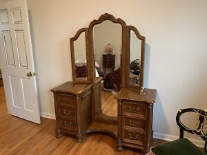 Vintage Antique Dresser Vanity Table W Full Length Trifold Three 3 Panel Mirror