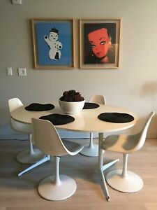 Knoll Style Saarinen Tulip Chairs Table 4 White