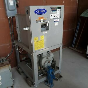 Carrier Chiller 2002 Water Cooled 40 Ton 208 Volt 3 Phase 30hwb040 d 510xd