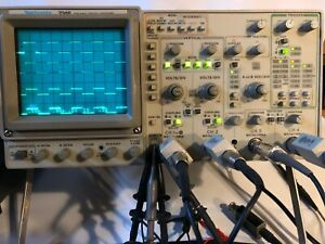 Tektronix 2246a Four Channel 100 Mhz Oscilloscope 5 Probes Power Cord