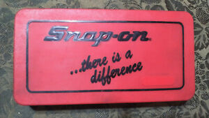Snap On Tool 41pc Td 2425 Tap Die Set Hex Thread Wrench Pipe Kit Case Standard
