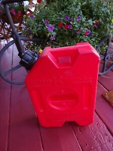 Roto Pax One Gallon Gas Can