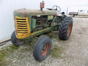 Oliver Regular 88 Antique Tractor
