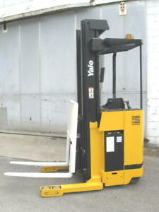 Yale Nr035 Electric Narrow Aisle Reach Truck Forklift 107 242 3500 New Battery
