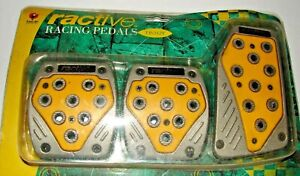 Racing Pedal Covers Kit Manual Transmission Clutch Brake Pads Silver Yellow