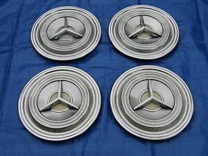Set Of 1959 Oldsmobile 3 Bar Spinner Wheel Covers 577039 Hubcaps With Clips