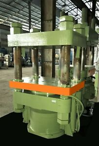 Wabash 340 Ton 4 Post Hydraulic Molding Press W Pump