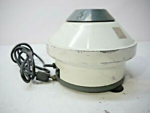 Clay Adams Physicians Compact Tabletop Centrifuge 4 bucket Slots