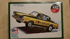 Amt 1966 Plymouth Barracuda Hemi Under Glass 1 25 Model Car Kit New Autographed
