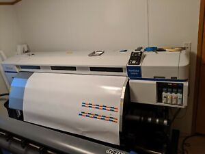 Epson S30670 Wide Format Printer