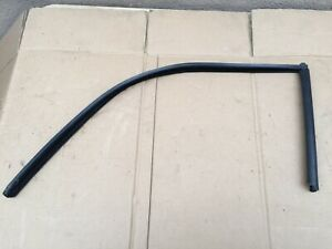 Porsche 944 Turbo S2 Outer Window Seal Driver Side