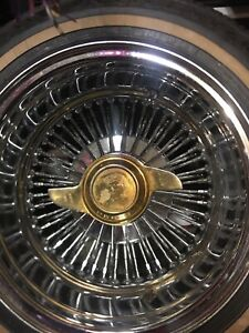 2 Wing Gold Knock Off Wire Wheel Lowrider Hydraulics
