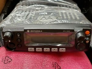 Motorola Xtl 2500 7 800mhz New In Box With Factory Accessories