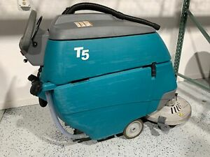 Tennant T5 28 Disk Scrubber Only 324 Hours Charger Not Included
