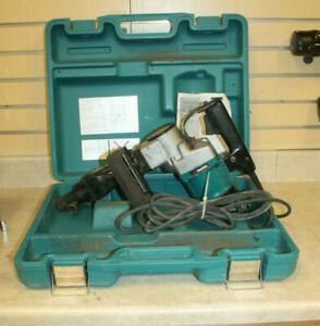 Makita Hm1211b 3 4 Corded Demolition Hammer W Case used Free Shipping