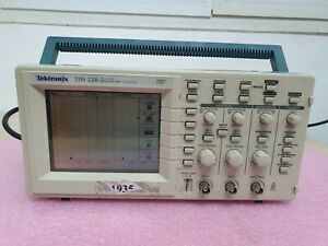 Tektronix Tds220 Two Channel Digital Real time Oscilloscope 100mhz