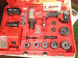 Milwaukee 2676 22 Force Logic M18 10t Knockout Tool 1 2 2 Kit Pre owned