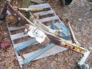 Vintage 1976 Ford 3600 Tractor wide Front Axle Braces