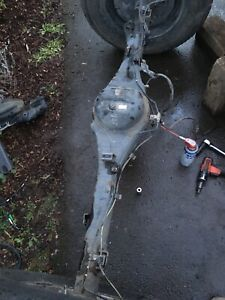 Toyota Tundra V8 4 7l Double Cab Rear Differential Axle Carrier Complete W Abs