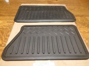 Brand New Gm Truck Rear Floor Mats Pair 19121485 Or 19210588