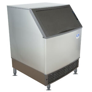 Manitowoc 26 Air Cooled Undercounter Full Dice Cube Ice Machine With 90 Lb Bin