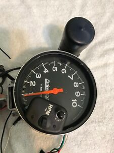 Auto Gage With Shift Light By Auto Meter