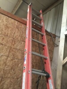 24ft Fiberglass Extension Ladder With 300lb Load Capacity Type Ia Duty Rating
