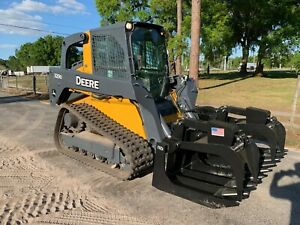 John Deere 329d Closed Cab Skid Steer Loader