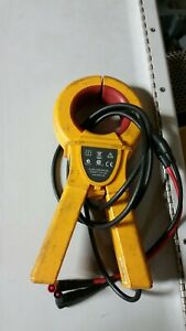 Fluke I800 Ac Current Clamp 800 Amps Used But In Great Shape
