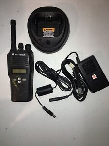 Used Motorola Cp200xls Uhf Ltr 128ch Radio With Charger