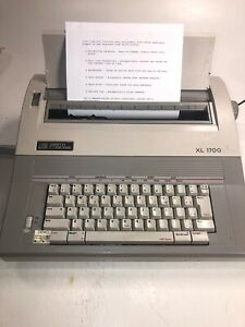 Smith Corona Electronic Typewriter Xl 1700 Model 5a 1 Works Great