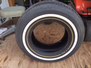 Uniroyal Tiger Paw Royal Gold Seal Whitewall Tire 235 70r15 Like New