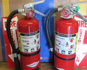 Two 5lb very Nice amerex Abc Fire Extinguisher 2021 Cert Signs wall Brackets