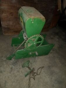 John Deere 71 Planter Fertilizer insecticide Box And Drive